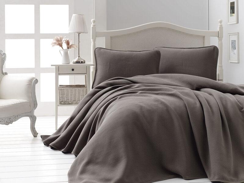 Lovatiesė su pagalvių užvalkalais LIV Kahve 240x260 cm