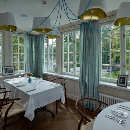 "Restoranas ""Philippe"", Jūrmala. Interjero autorė: Zane Tetere-Šulce."